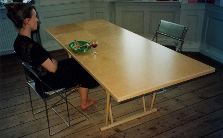 Spisebord i ahorntræ - Arkitekturværkstedet - Hans Peter Hagens - Arkitekt - København
